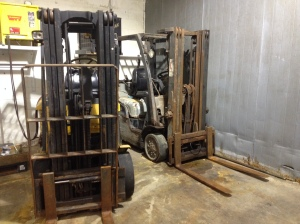 002 - Laponica Refrigeration - Forklift